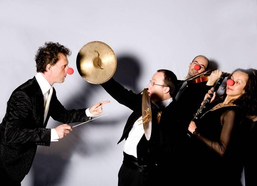 The Rainer Hersch Orkestra  © Theaterland Promotions, Viola Streich & Marco Scholz GbR