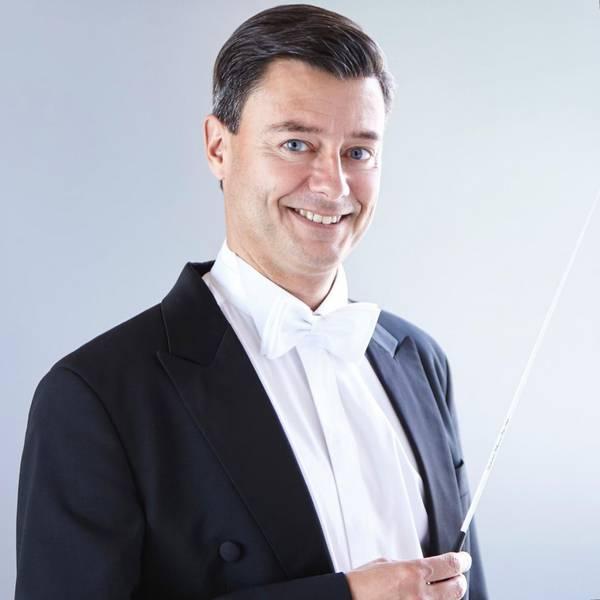 Dirigent Holger Blüder (Leiter der Schule für Musik)